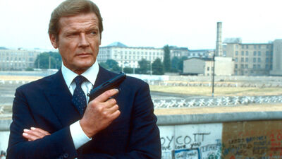 Roger Moore's Top 5 James Bond Moments