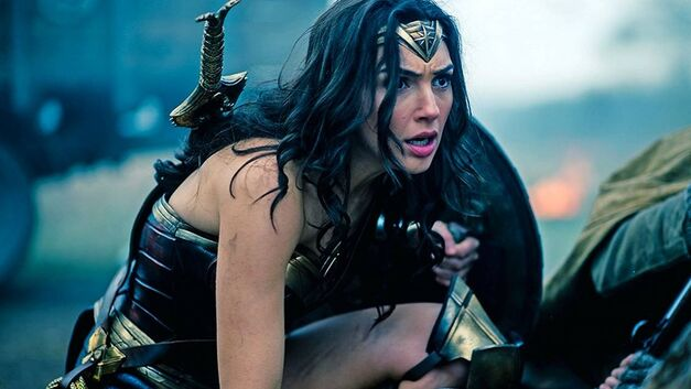 wonder-woman-diana-in-the-trenches Cropped