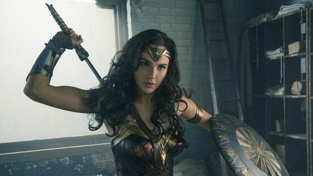 wonder woman DC extended universe