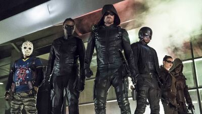 "'Arrow' Recap and Reaction: ""So It Begins"""