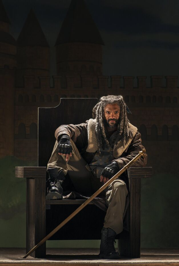 Who is King Ezekiel? - The Walking Dead