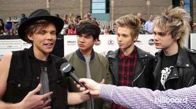 5 Seconds of Summer Billboard Music Awards Red Carpet 2014