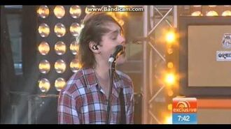 5 Seconds of Summer - She Looks So Perfect (Live on Sunrise)