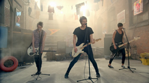 5 Seconds of Summer - She Looks So Perfect - 5 Seconds of Summer Wiki (17)