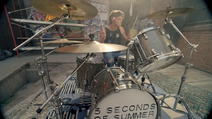 5 Seconds of Summer - She Looks So Perfect - 5 Seconds of Summer Wiki (43)