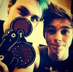 Michael-clifford-and-nandos-gallery