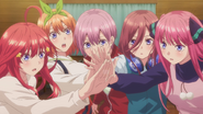 EP12 Nakano quintuplets turn on light