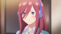 EP2 Miku wearing headphone