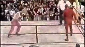 Titanes en el Ring - Diávolo vs Pibe 10. Arbitro William Boo