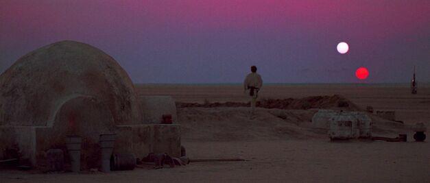 star-wars-a-new-hope-luke-skywalker-on-tatooine-binary-sunset