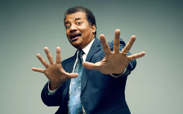 Neil deGrasse Tyson Comments on the Science of 'The Force Awakens'