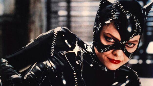 batman returns michelle pfeiffer catwoman