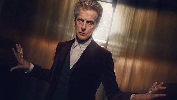 twelfth-doctor-peter-capaldi-in-a-mysterious-castle-maze