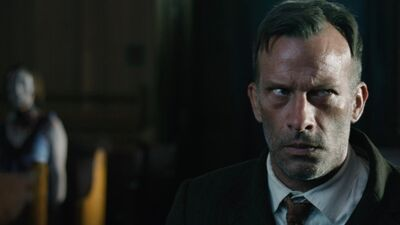 '1922' Review: Dull, Downbeat Stephen King Adaptation That Disappoints
