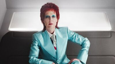 Gillian Anderson Goes Full Bowie in This 'American Gods' Clip