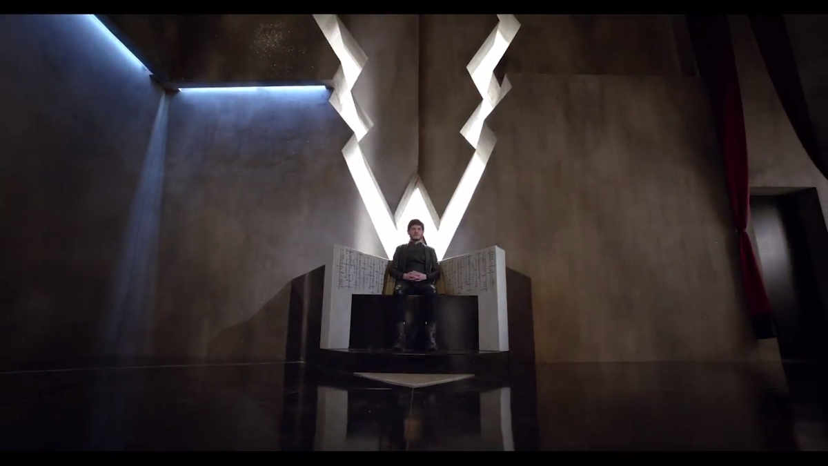Inhumans_throne room
