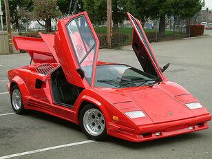Lamborghini-lamborghini-countach-lp500s-1418625447
