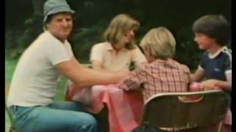 UNO commercial 1981