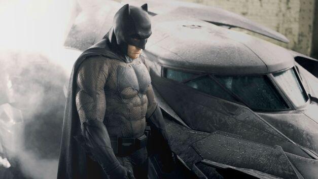 batman sad ben affleck Cropped