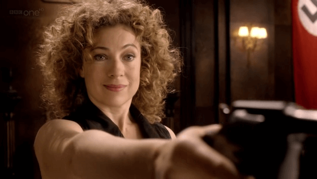 alex_kingston_doctor_who_s06e08_8GCsrsf