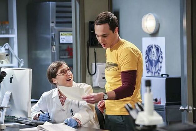 amy and sheldon in a lab on big-bang-theory