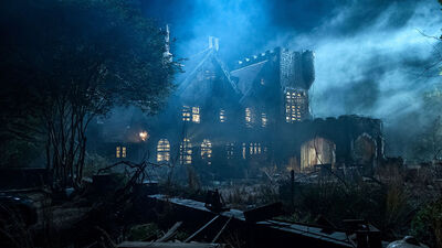 New Netflix Show 'The Haunting of Hill House' is an Instant Horror Classic