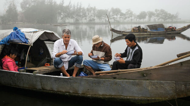 anthony-bourdain-parts-unknown-boat-river-eating