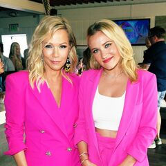 Jennie Garth w/ Emily Osment at Teen Choice Awards 2019