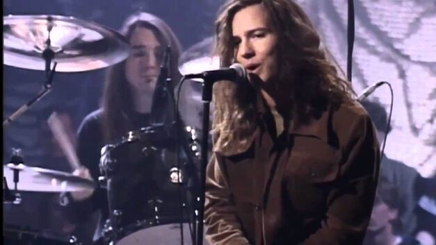 pearl jam MTV unplugged eddie vedder sings