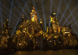 New Hogwarts Lights Show at Harry Potter World in Hollywood Is Totally Lit
