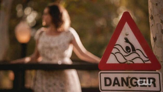 crazy-ex-girlfriend-danger