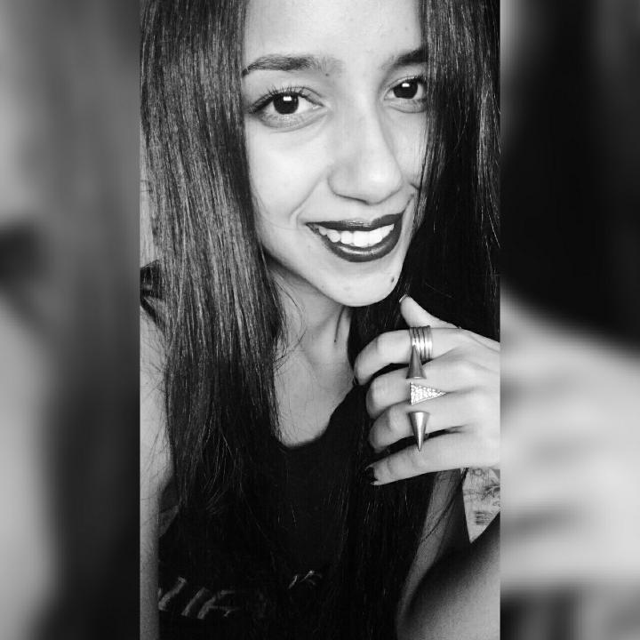 Alessandra Alves's avatar