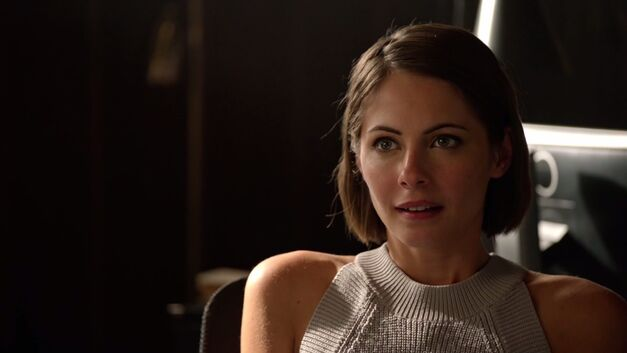 arrow thea queen played by Willa Holland