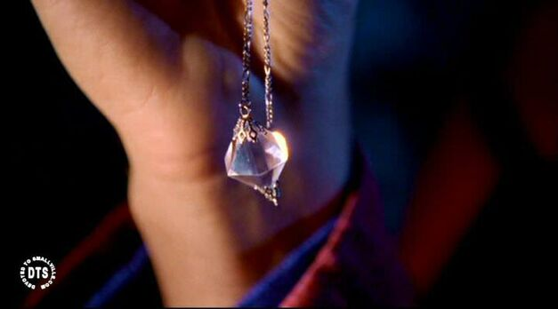 clear kryptonite necklace smallville