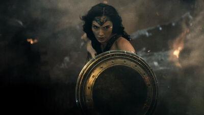 New 'Wonder Woman' Photos