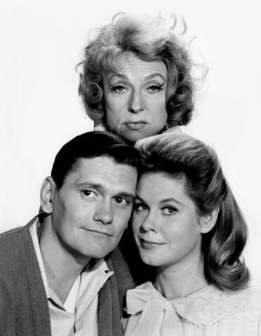 File:466px-Agnes Moorehead Dick York Elizabeth Montgomery Bewitched 1964.jpg