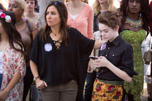 better things episode 4 woman is the something of the something Sam played by Pamela Adlon with daughter who is texting on her phone