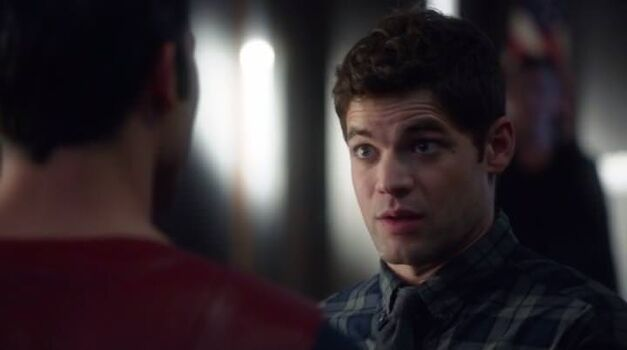 supergirl-winn-meets-superman