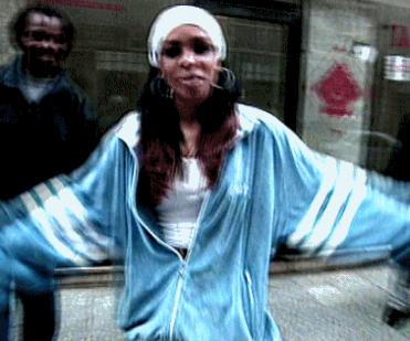 Aaliyah June 2000