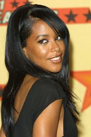 Aaliyah from behind