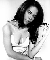 Aaliyah black and white 2