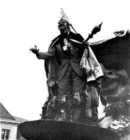 Michel op Prinsenwagen, via Lieven Goubert (bewerkt Wiki)