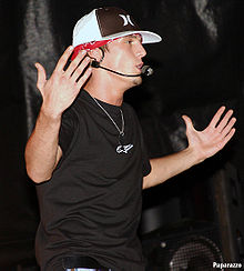 File:Aaron Carter 2005 in Concert.jpg