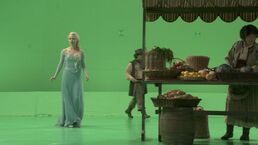 Once-upon-a-time-Elsa-BTS