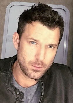 Wil Traval (cropped)