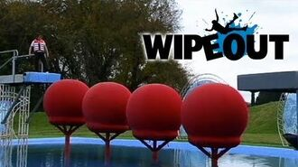 Richard Hammond Attempts the Big Red Balls Wipeout HD