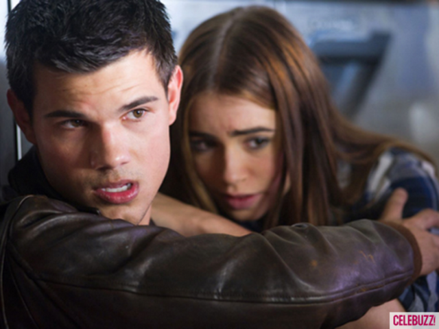 File:Taylor-lautner-and-lily-collins-in-abduction.png