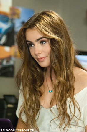 File:Lily-collins-abduction.png