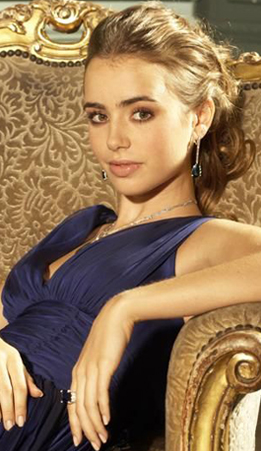 File:Lily-Collins.png