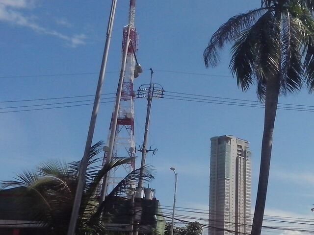 File:ABS-CBN DWWX-TV Transmitter.jpg